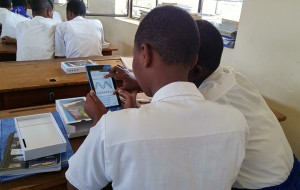 Students use tablets Pivot Academy